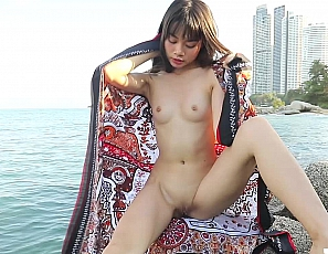 2019-04-18asian-doll-outdoors-v